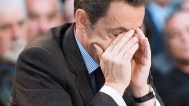 Nicolas Sarkozy, confronté à une fronde larvée et à la division de son camp