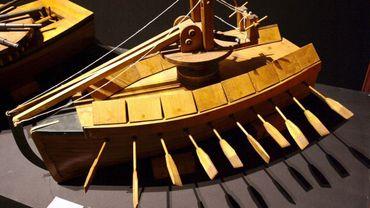 L'une des inventions de Leonard de Vinci présentées à Paris.