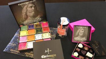 Les multiples parfums du chocolat Charlemagne. Quelques suggestions de goûts : gingembre, violette, menthe, caramel, lavande, nougat et blanc coco.