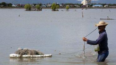 Un pêcheur à Banda Aceh un peu après le tremblement de terre