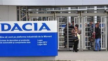 Entrée de l'usine Dacia de Mioveni, en Roumanie