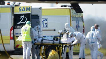 Des malades du Covid-19 arrivent à Brest en provenance de Mulhouse, le 24 mars 2020