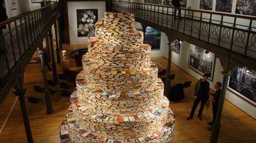 L'expo Babel au Museum du Botanique, avec la Tour de livres de Jakob Gautel