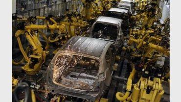 Des bras robotiques dans une chaîne de montage de Kia Motors à Teplicka, en Slovaquie