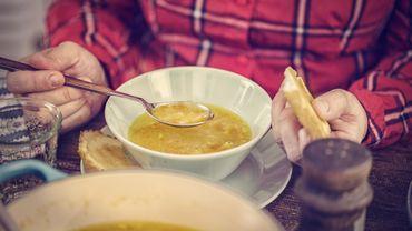 Recette de Candice: Bouillon de pain au parmesan