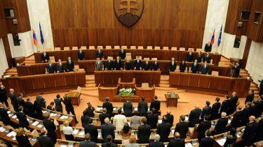 Le Parlement slovaque rend constitutionnellement impossible le mariage homosexuel
