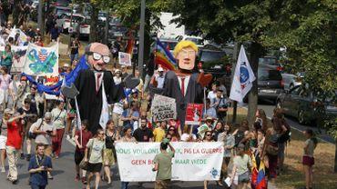 Quelque 1400 personnes manifestent contre Trump dans les rues de Bruxelles