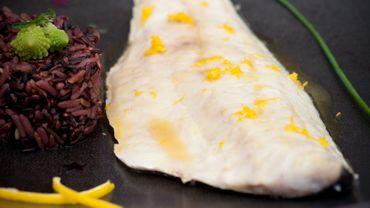 Recette : bar rôti au beurre de miel et d'agrume