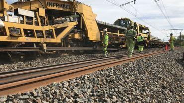 Un train unique en Belgique à Ciney pour effectuer des travaux sur les voies