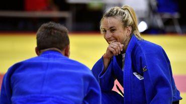 Charline Van Snick en bronze en -52 kg à Ekaterinebourg
