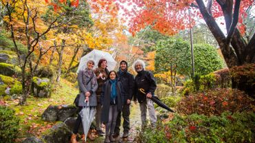 L'équipe d'Alors on change à la découverte du Japon en transition