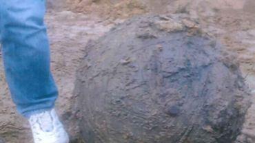Le fragment de bombe V1 retrouvé dans les travaux