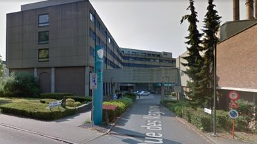 Dans les hôpitaux proches de la frontière, le nombre d'infirmières (ou infirmiers) français(es) avoisine les 30%
