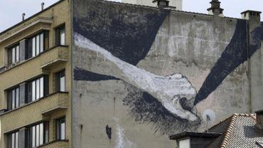 La nouvelle fresque érotique de Bruxelles se trouve Rue de Witte de Haelen