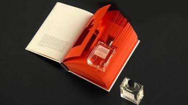 Un parfum à l'odeur de papier qui sort de l'imprimerie, dans un emballage Lagerfeld
