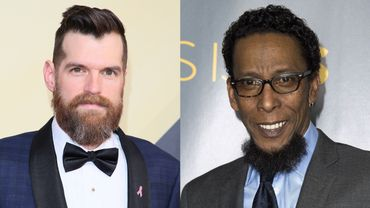"Timothy Simons de ""Veep"" (à gauche) et Ron Cephas Jones de ""This Is Us"" joueront dans l'adaptation du premier roman de John Green,""Quies-tu Alaska?"""