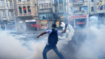 De violents affrontements entre forces de l'ordre et manifestants ont eu lieu la nuit dernière à Istanbul