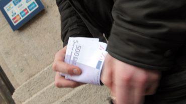 Payer une note supérieure à 5000€ sera bientôt interdit.