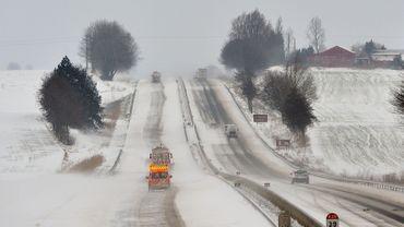 Selon les études, on trouve des traces de sel dans le sol jusqu'à 200m après la route.