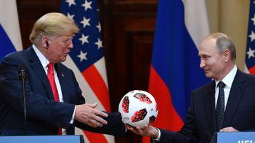 """Etats-Unis: la """"faiblesse"""" de Trump face à Poutine scandalise jusque dans les rangs républicains"""