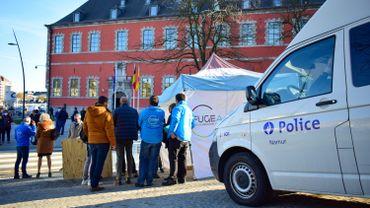 Des agriculteurs de la FUGEA étaient à Namur ce mercredi 18 novembre pour exprimer leur opposition au projet de Boucle du Hainaut imaginé par Elia