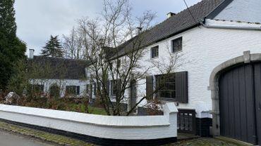 Un promoteur veut construire 29 logements dans des prairies situées en face de l'ancienne maison d'Hergé à Céroux (photo).