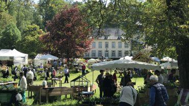 Aywiers attire chaque année des milliers de visiteurs, amateurs de plantes et de jardin, durant ses événements printanier et automnal.