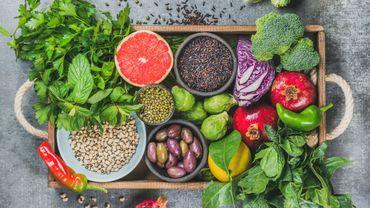Les scientifiques conseillent de manger des aliments antioxydants parce qu'ils sont indispensables pour préserver la santé et lutter contre les fameux radicaux libres.