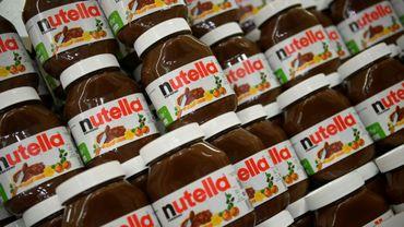 L'usine Ferrero de Villers-Ecalles (Seine-Maritime), premier site de fabrication au monde de Nutella, est bloquée depuis six jours par des employés réclamant des augmentations de salaire