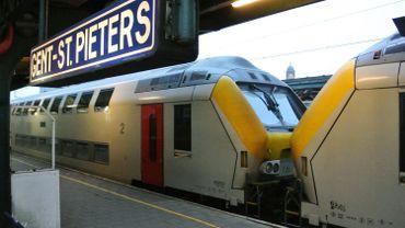 Collision entre un train de travaux et un de marchandise en gare de Gand-Saint-Pierre