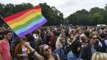 Gay pride à Bucarest sur fond de campagne contre les mariages homosexuels