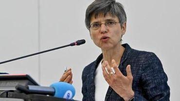 """La gouverneure d'Anvers condamne des footballeurs et supporters """"irresponsables"""""""