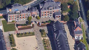 Un incendie a eu lieu à l'Ecole européenne à Laeken mardi et un autre est en cours