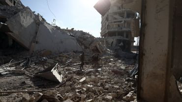 Conflit en Syrie: les forces du régime syrien isolent Douma, la grande ville de la Ghouta