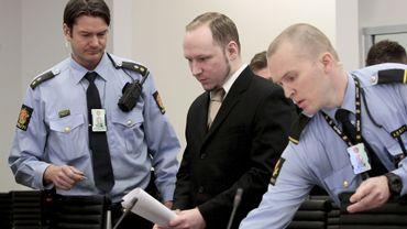 Anders Berhing Breivik à l'ouverture du 2ème jour de son procès