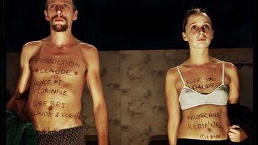 Benoît Ugeux et Anne-Cécile Vandalem dans Zai Zai Zai, première création (2003) de Das Fraulein Kompanie.