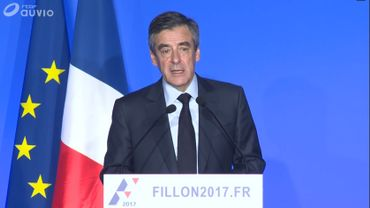 """François Fillon: """"Les fonctionnaires doivent travailler plus"""""""