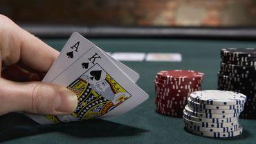 Qu'est-ce qui nous motive à prendre des risques alors que notre chance de gagner est faible?
