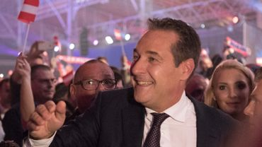 Heinz-Christian Strache fête le score de son parti hier,  qui a atteint 26% des suffrages