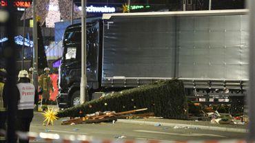 Attaque au camion sur un marché de Noël à Berlin: la piste de l'attentat privilégiée