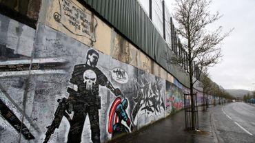 A Belfast, les accords de paix du vendredi saint n'ont pas encore abattu les murs qui séparent les quartiers unionistes des quartiers républicains