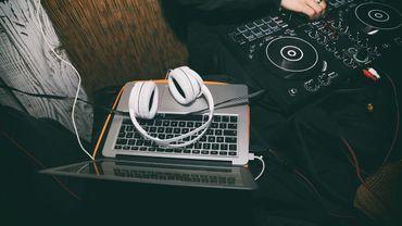 DJ Sets sur Jam le samedi de 16 à 18h.
