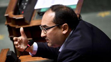 """""""Mon message est très clair : ce n'est pas parce que Euroclear fonctionne comme une boîte noire que le gouvernement doit faire de même"""", a lancé Ahmed Laaouej."""