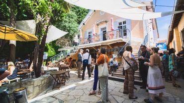 La cour des  Doms à Avignon