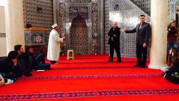 Les élèves de l'Athénée de Ciney à la mosquée turque de Namur