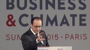 Le président François Hollande a annoncé la mise en place dès janvier 2019 de la réserve de stabilité du marché du carbone, lors du Business and Climate Summit, le 20 mai 2015 à Paris