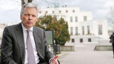 Didier Reynders veut de réelles mesures contraignantes pour empêcher le départ de jeunes Belges au combat en Syrie