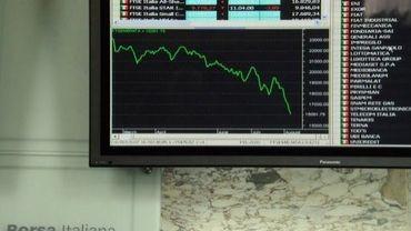 Un écran installé à la Bourse de Milan