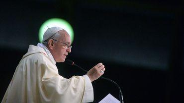 Le Pape François s'adresse à la foule