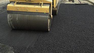 Parmi les priorités namuroises, il y a la réfection des routes proprement dite, avec près de trois millions de m² de chaussées à gérer.